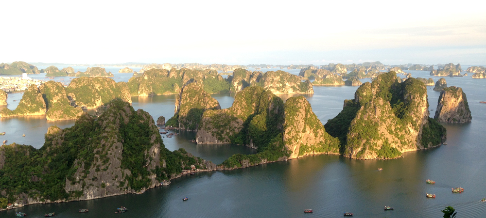 Cruise & Explore Halong Bay