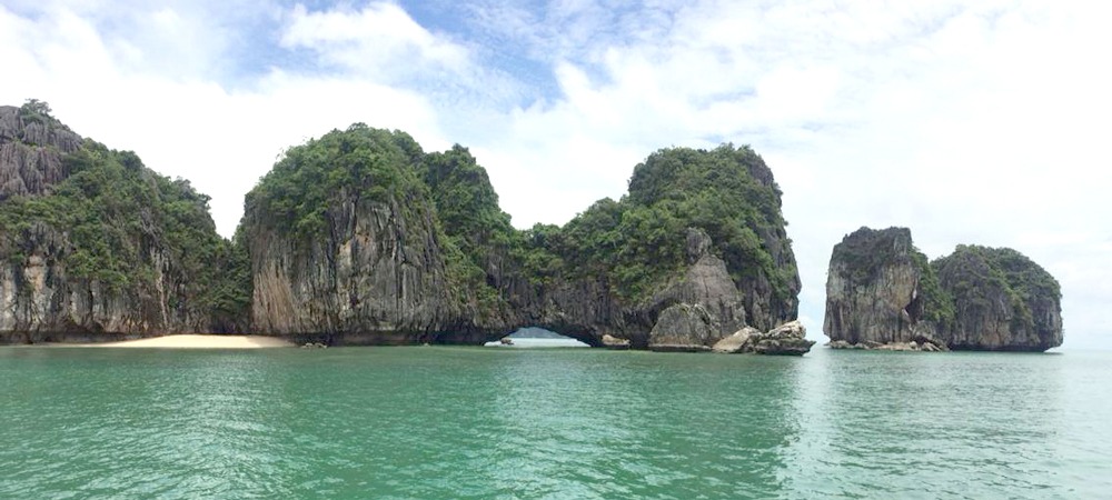 Halong Bay Kayaking Exploration